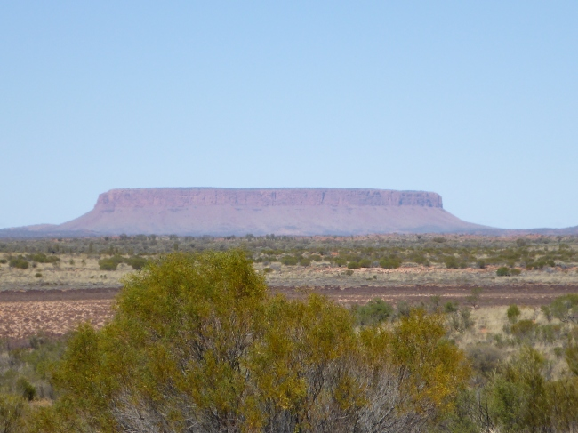 First view of this big rock, from about 50kms away.