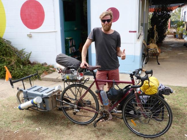 I met Den at Alice's Secret. He's cycling his way around Aus.
