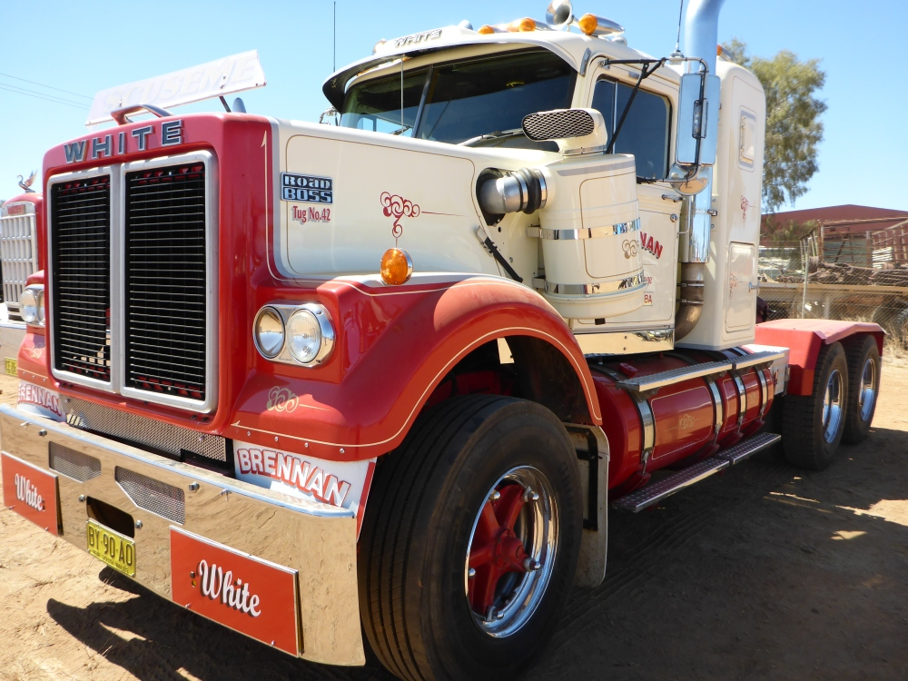 Trucks and the Tanami. (1/6)