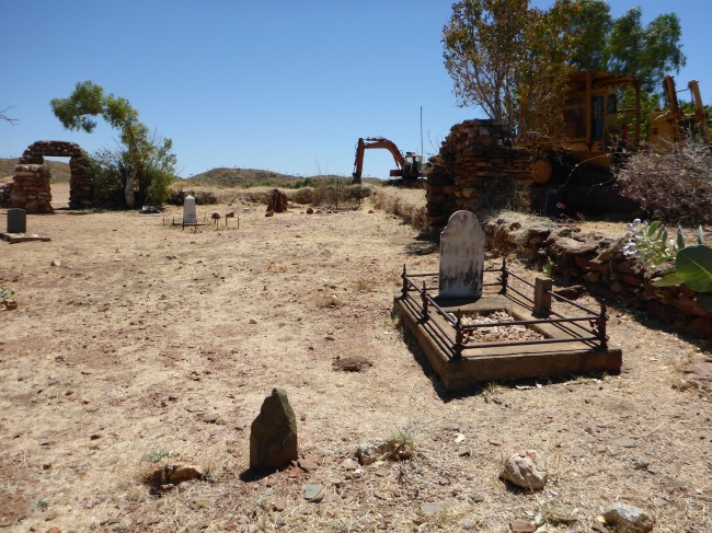 Last resting place at Old Halls Creek.
