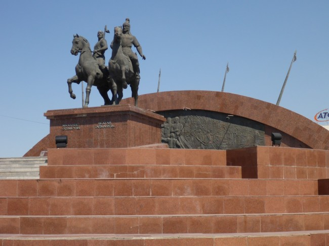 Statue celebrating a couple of national heroes.