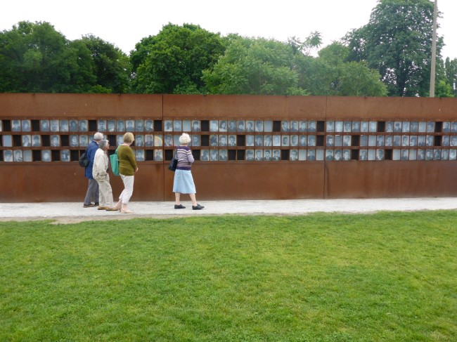 Those who died at the hands of the East German border guards.