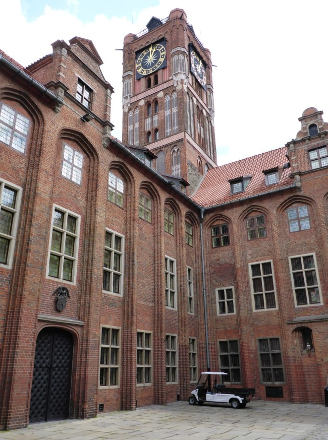 Courtyard and tower of the old town hall.