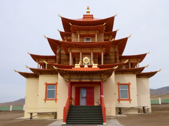 Very nice Buddhist temple, en route to Ulan Ude.