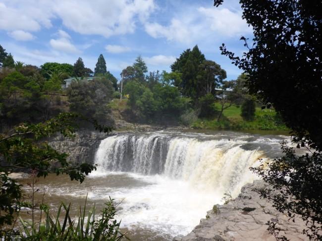 Haruru Falls, beside SH1.