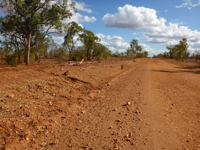 Nice gravel track down to Cobbold Gorge.