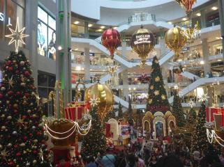 Entrance to Farenheit88 Mall. Is it Christmas, or something?
