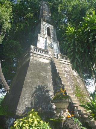 The tower that leads up to heaven. I didn't climb those steep steps. Heaven is on earth, after all, so why bother?